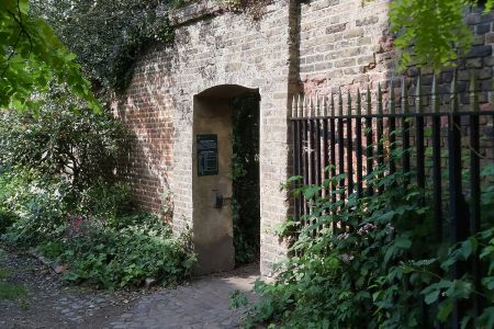 Greenwich Park: An Archaeologist's Diary