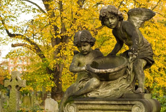 Cherubs on a gravestone