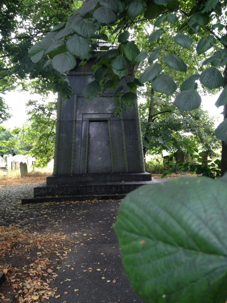 Hannah Courtoy's tomb in Brompton Cemetery