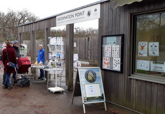 Bushy Park info point