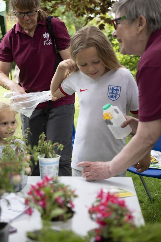 Flowery fun with The Royal Parks volunteers