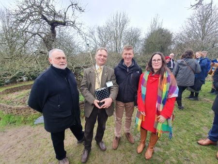 Bushy Park to receive one of Newton's eight space saplings