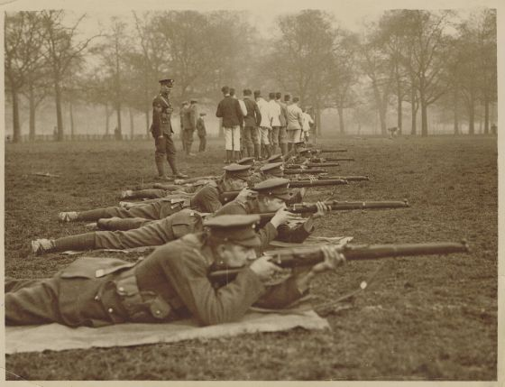 Guards Army manoeuvres, Hyde Park, 1915. Credit Keystone Press Agency