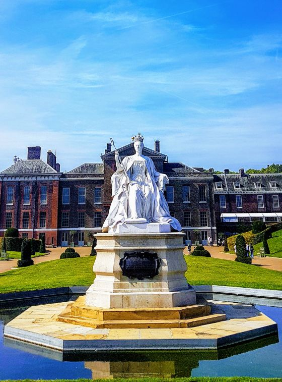 The Queen Victoria Statue in Kensington Gardens, by Glenn Foster