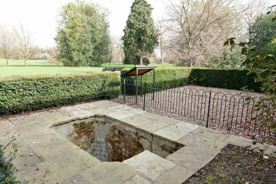 Queen Caroline's Bath Remains