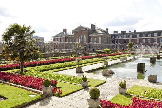 Kensington Palace behind the sunken garden