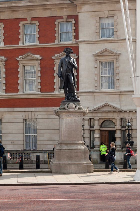 Captain Cook Statue - front view