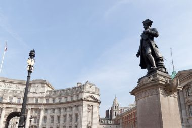 Captain Cook Statue and Admiralty Arch