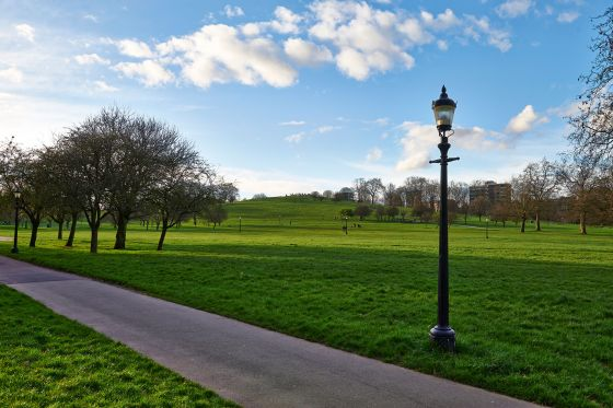 Primrose Hill summit and lamp post